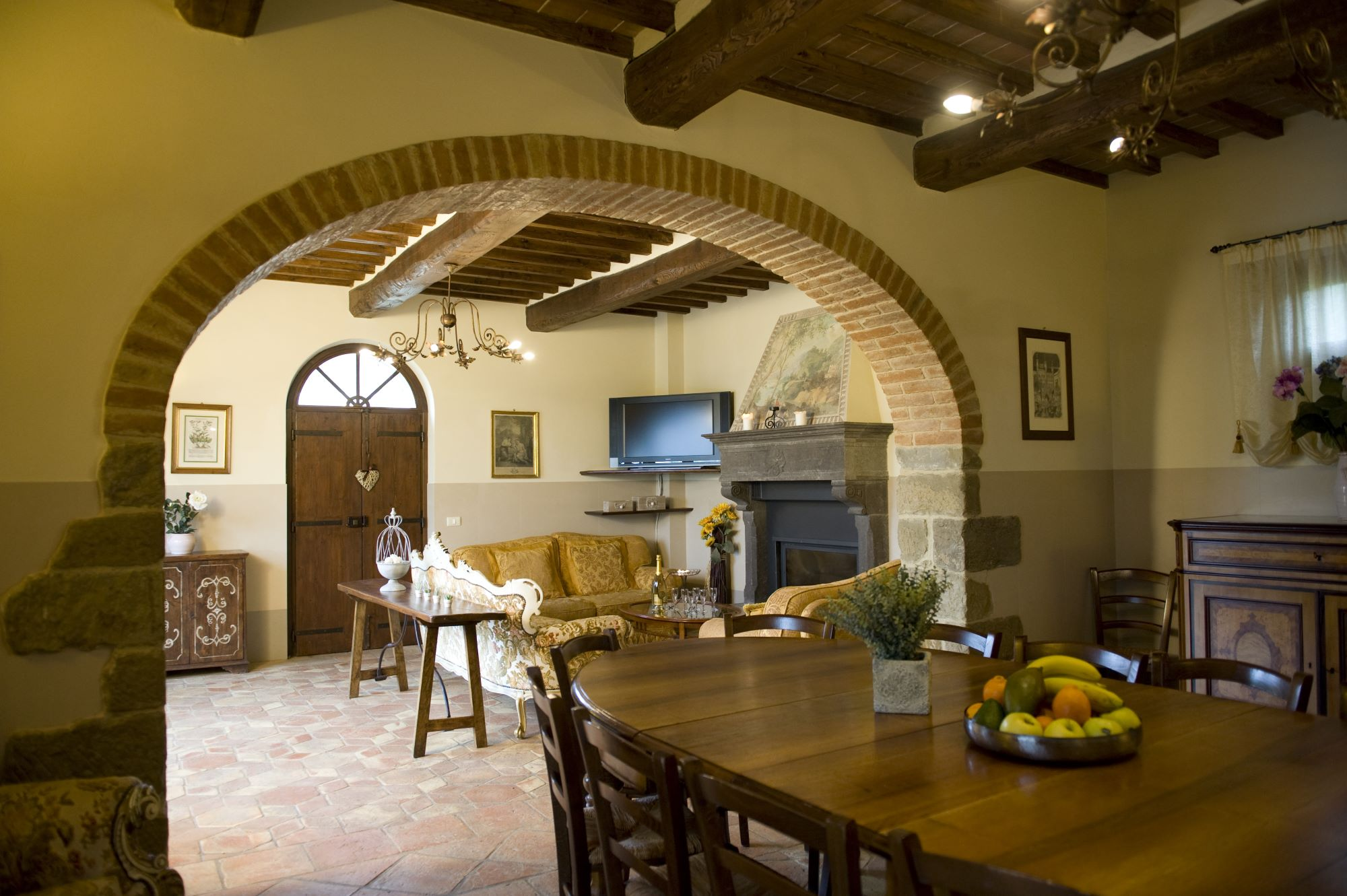 tuscany wedding villas, Perfect for large groups,great communal areas