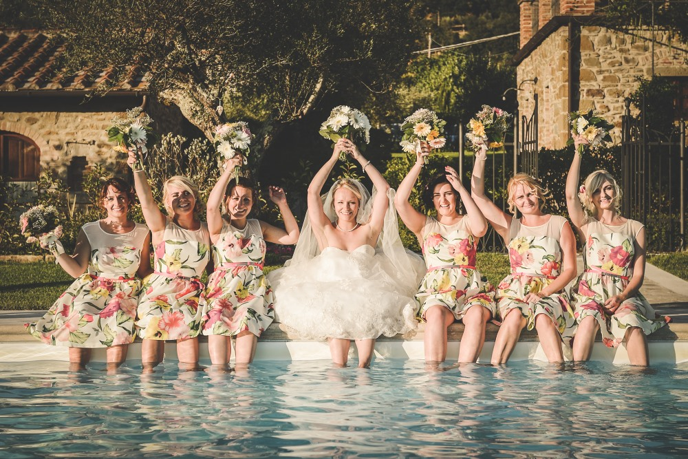 Pool wedding ideas in our pool receptions and ceremonies for Pool photoshoot ideas