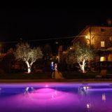 Pool Wedding Ideas. Amazing look of the pool at night.