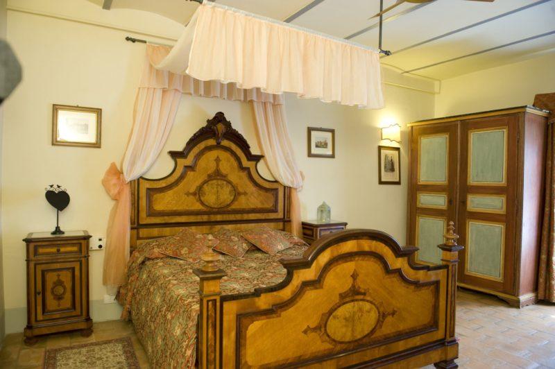 Villa wedding Italy.Queen size bedroom in Suite Villa 1.