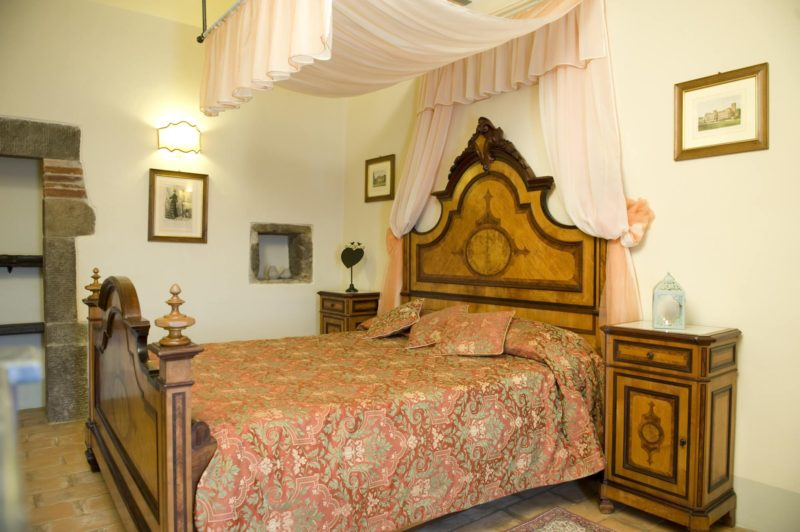 Villa wedding Italy. A different angle of a queen size bedroom in Suite Villa 1.