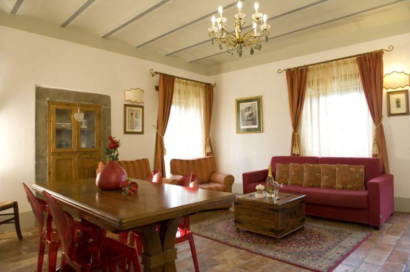 Villa wedding Italy. The living area in Suite Villa 1.