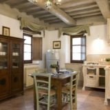 Weddings tuscany. The kitchen area in Suite Villa 5.