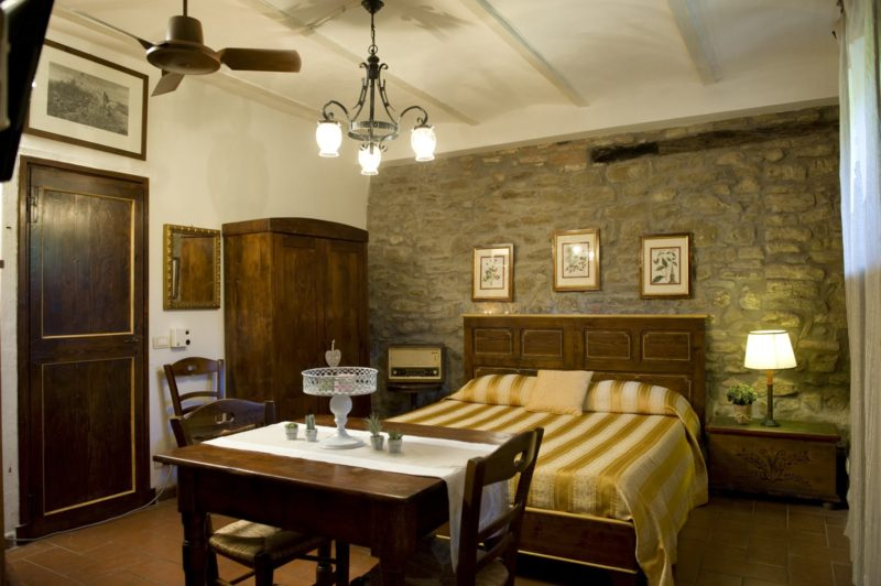 Italian Wedding Villas. The bedroom of Suite villa 7.