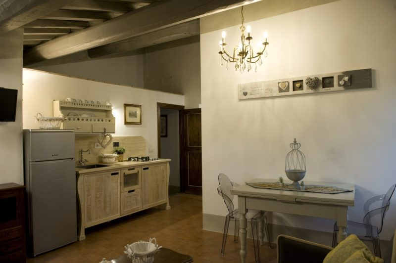 Italy weddings villas. The living and kitchen area in Suite Villa 4.