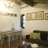 Italy weddings villas. The living area in Suite Villa 4.