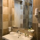 Italy weddings villas. One detail of the bathroom in Suite Villa 4.