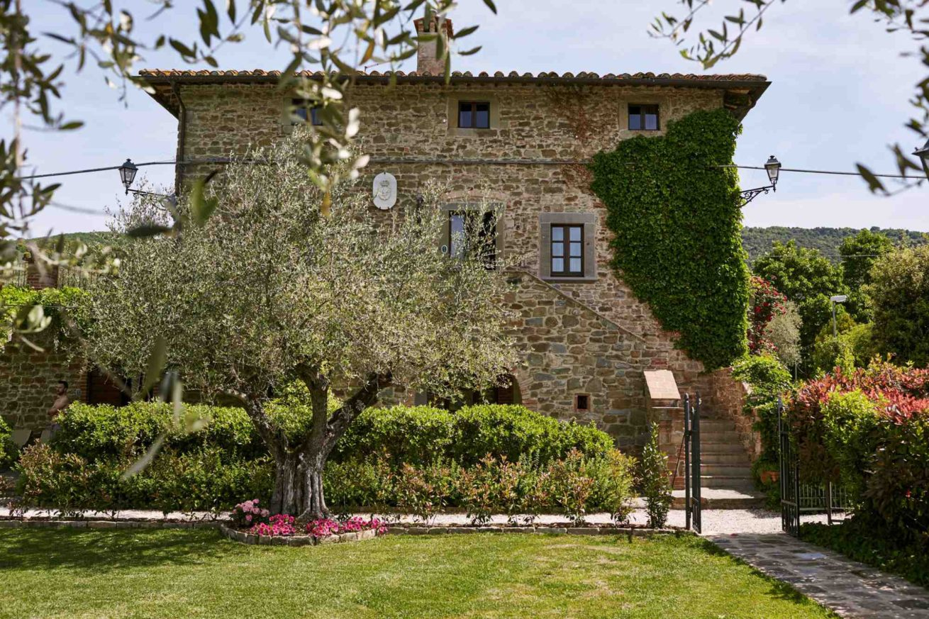 Italy Villa Sleeps 40 50 People Luxury Accommodations In