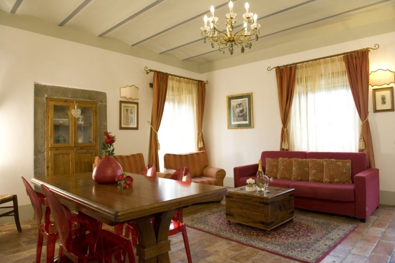 Villa wedding Italy. The living area in Suite Villa 1.