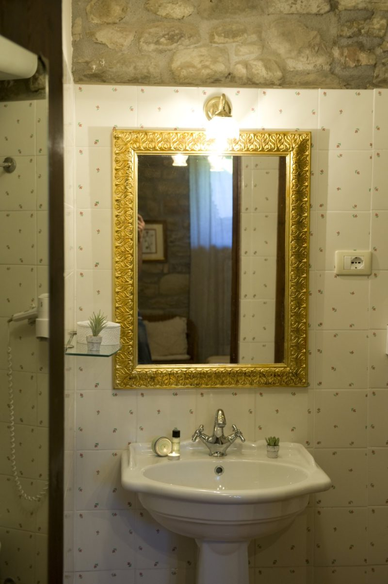 Italian Wedding Villas. The bathroom of Suite villa 7.