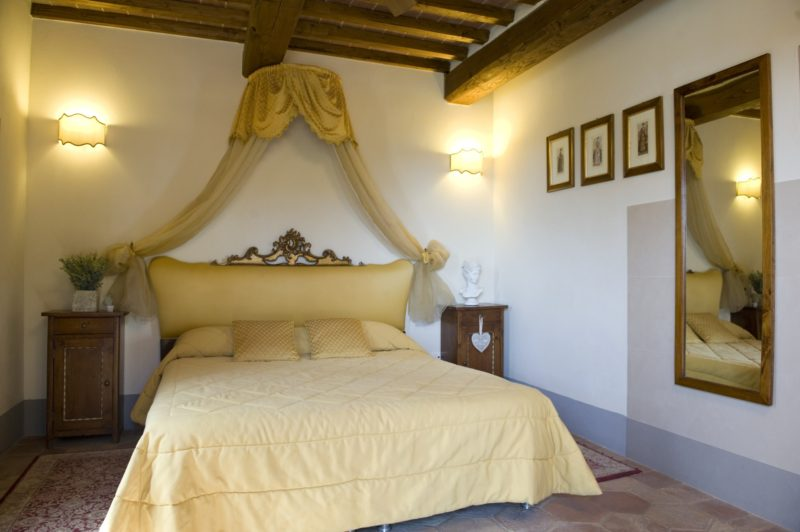 wedding accommodation italy. The bedroom of Villa 11